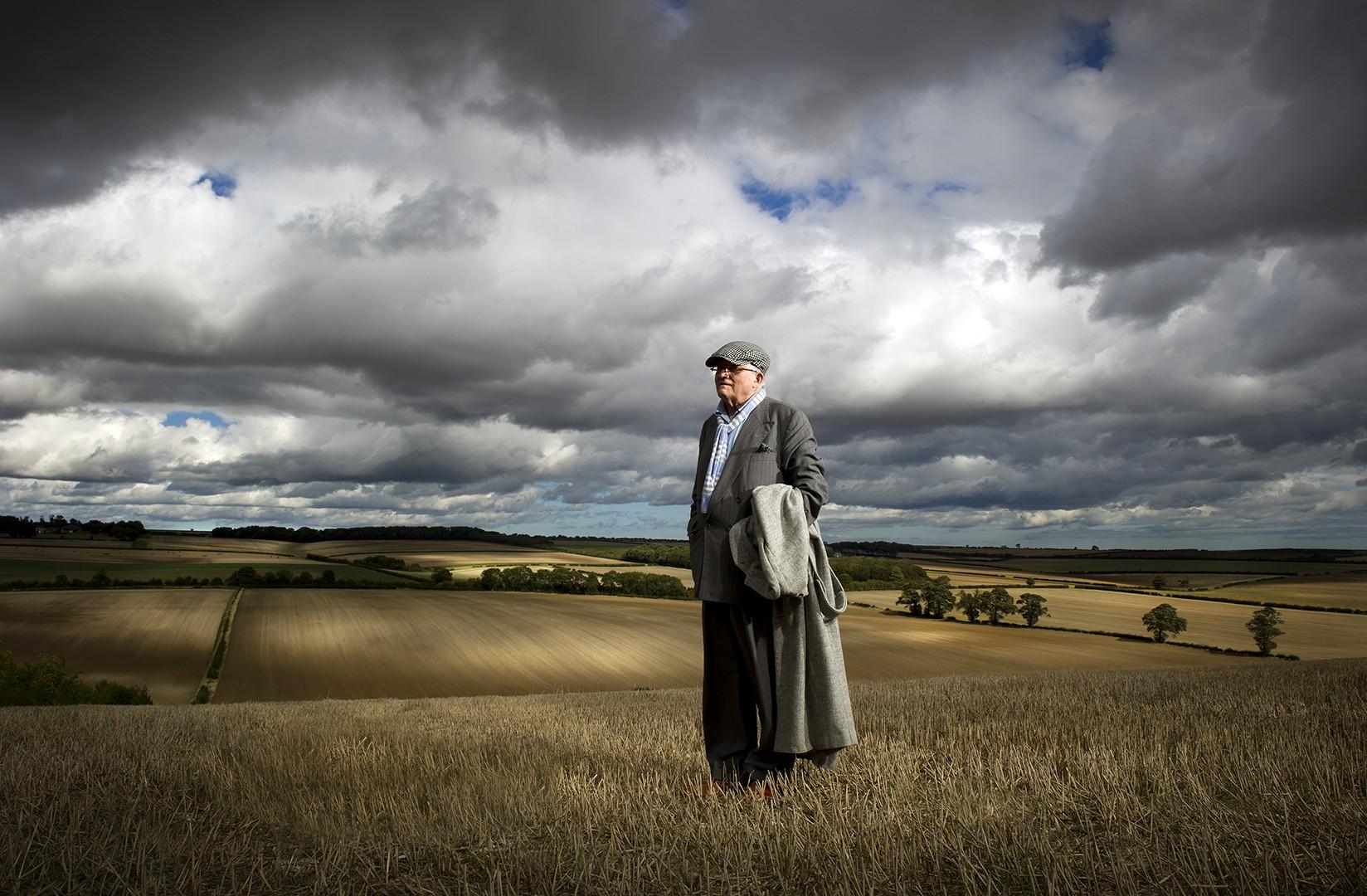 JohnnyMillar_Photography_Portrait_David Hockney North Yorkshire Autumn 2011